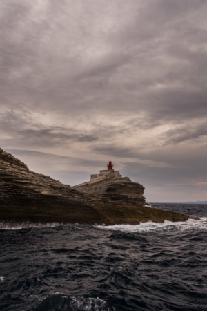 lighthouse-in-storm_web